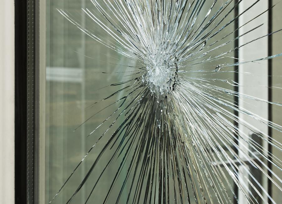 Die Glasbruchversicherung bezahlt Schäden an Flachgläsern