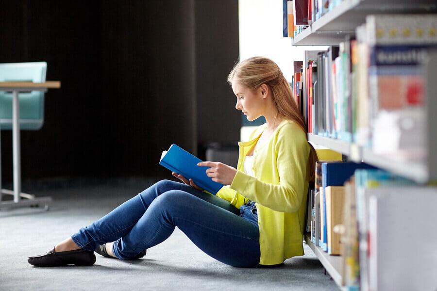 Ein Studium muss ernsthaft und zielstrebig betrieben werden, damit eine Mitversicherung aufrecht bleibt.